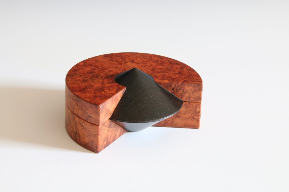 Open Pointed Box