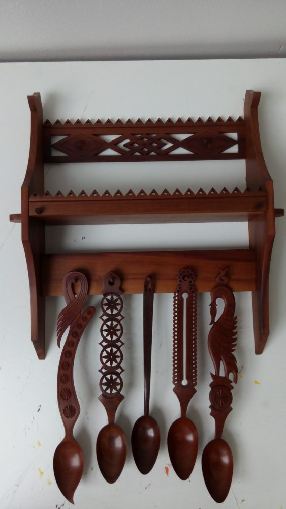 Spoon rack with 5 spoons